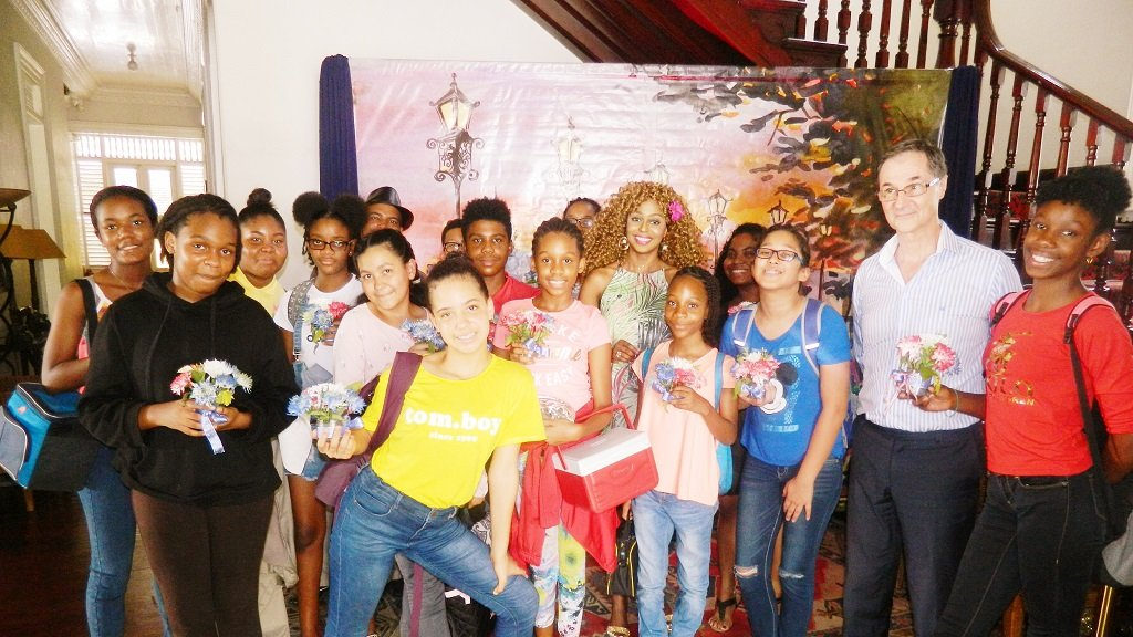 Children from the Alliance Française's Summer Camp visit the Embassy
